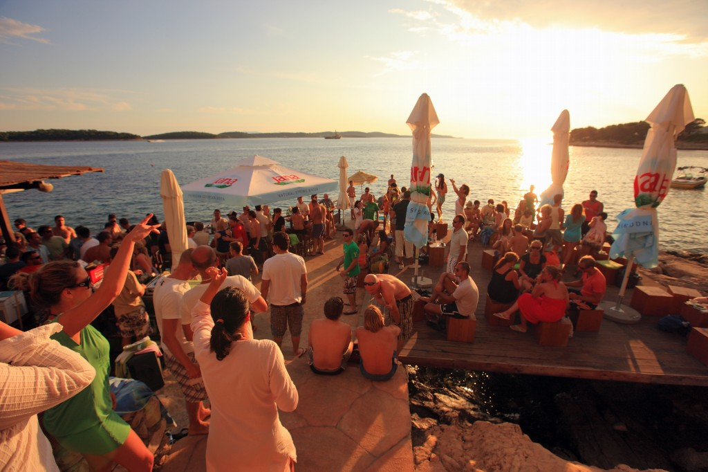 Croatia_Islands_Hvar_Hula-Hula-Bar_0021