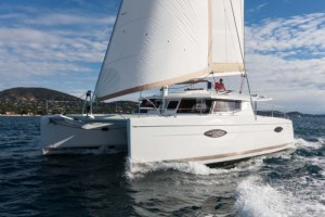 H44_Sailing_Bow_CroYachting