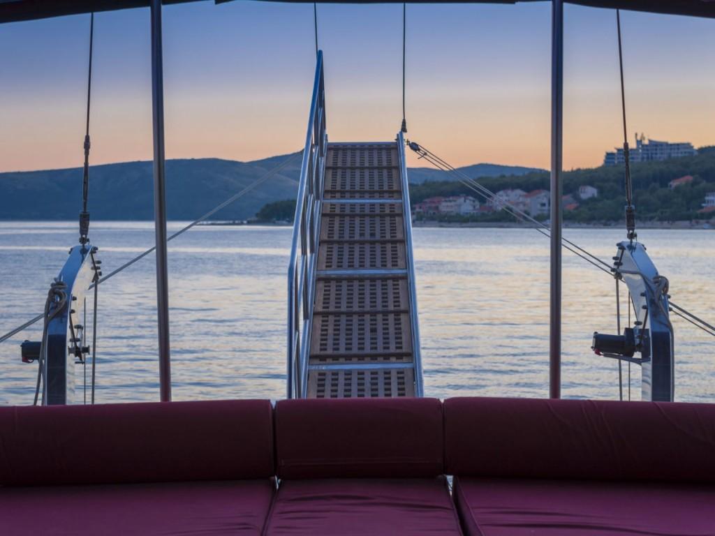 Gulet Croatia_Aft Deck - Gangway_CroYachting
