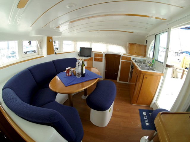 L380_interior_1_CroYachting