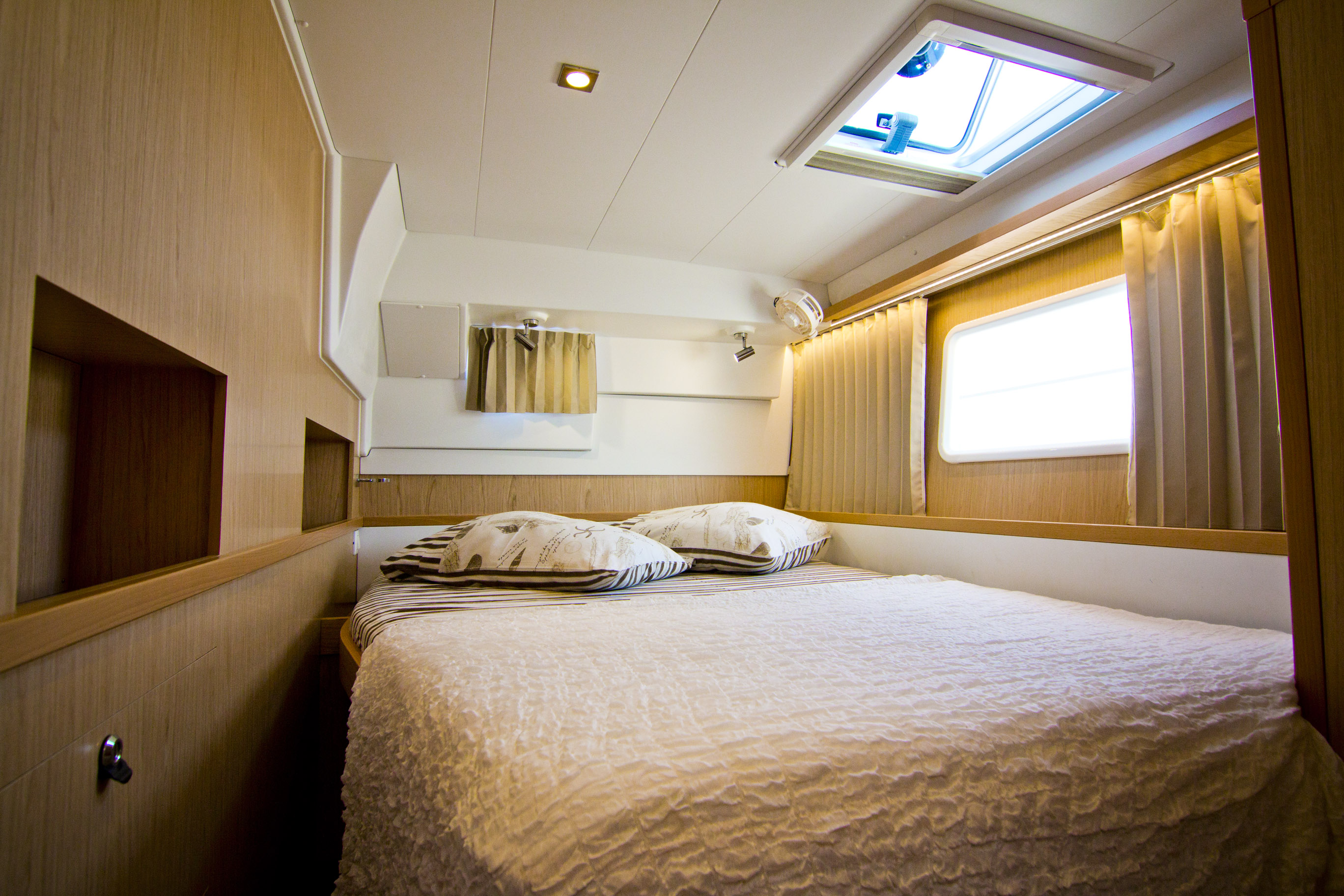 L400S2_Cabin_2_CroYachting