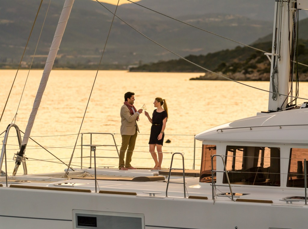 L560S2_Bow_Romantic_CroYachting