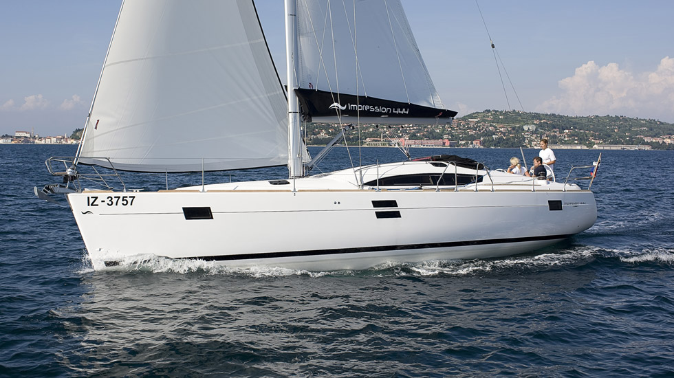 E444_Sailing_Port_CroYachting