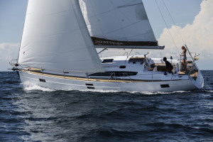 E45_sailing_portSide_CroYachting