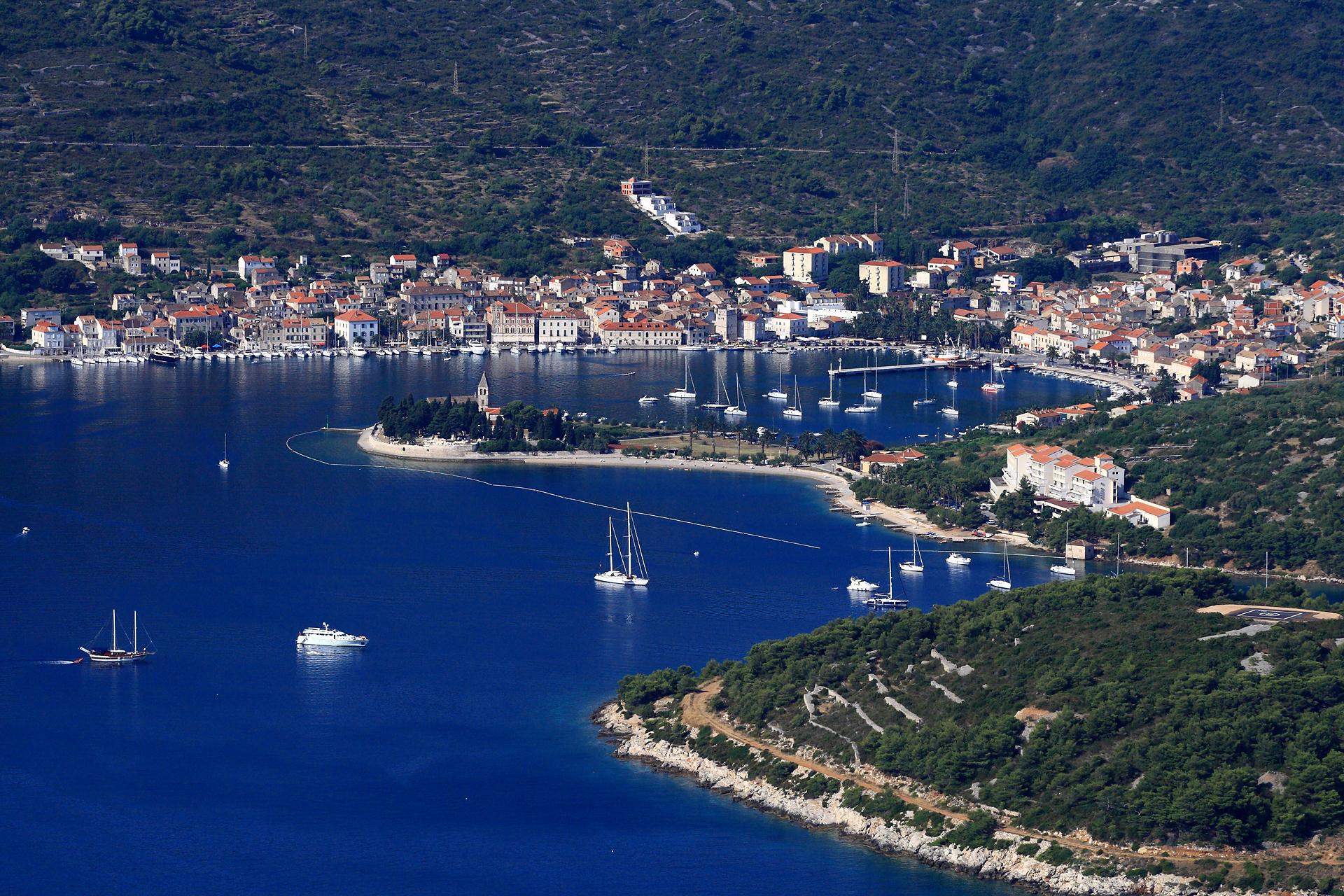 Croatia_Islands_Vis_Town Vis_0002