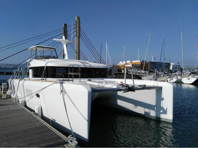 Lagoon 40 Motor Yacht Yacht And Boat Charters Rentals
