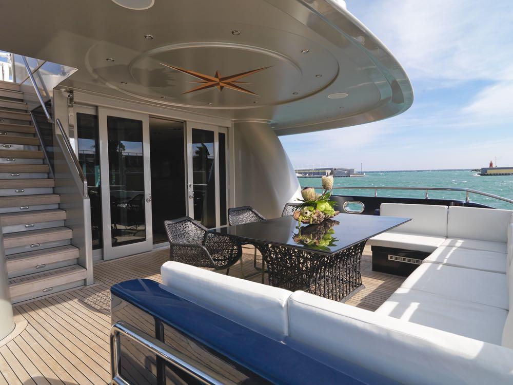 Aft Deck - Motor yacht Blue mamba