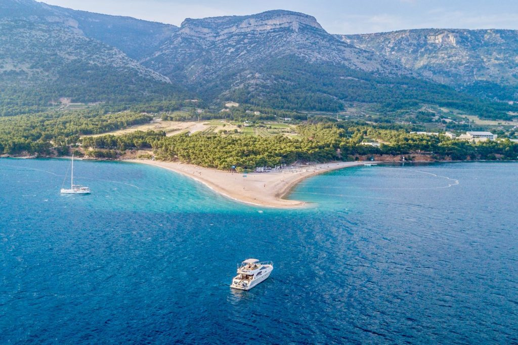 Cro Yachting presents several options for your seafaring pleasure.